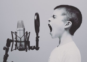 Singing Tips and Tricks –  Choosing the Right Microphone to Make Your Voice Sound Its Best